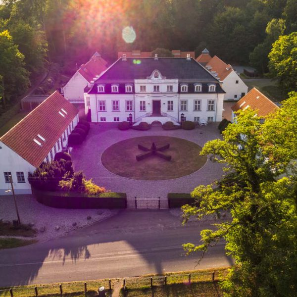 Arresødal-Castle_drone-foto
